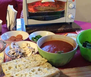 foodiesgalore.com make_it_yourself_pizza2